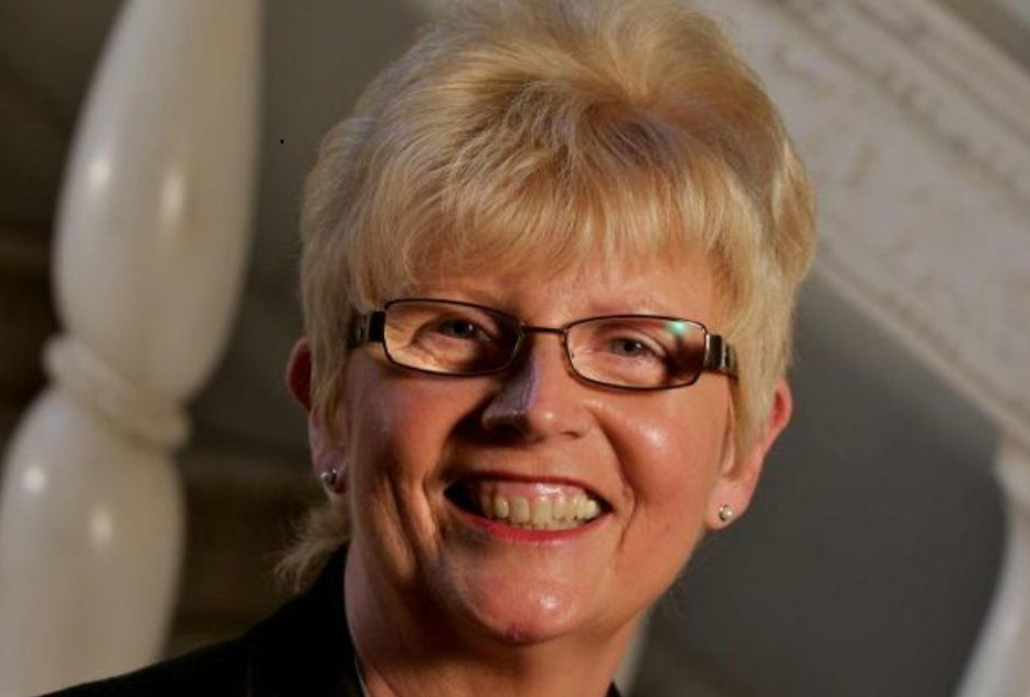 Professor Dame Lesley Jean Fallowfield